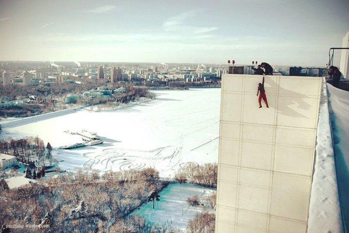 ukrainian-daredevil-hangs-from-buildings-mustang-wanted-5