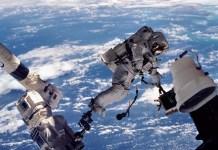 Чем занимаются космонавты в космосе?