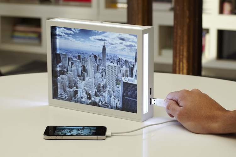 "badassembly: "" Digital photo frames are the quintessence of cheesy futurism, which is why NoDesign made one that recalls an older, classier technology: the lightbox. """