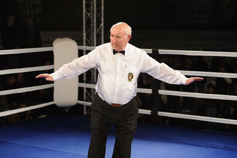 Sr. Árbitro Bernardino Ladeira // #boxinglisboa // #desporto // #boxe // #Lisboa // #noitenacidade // #boxingworld by boxinglisboa