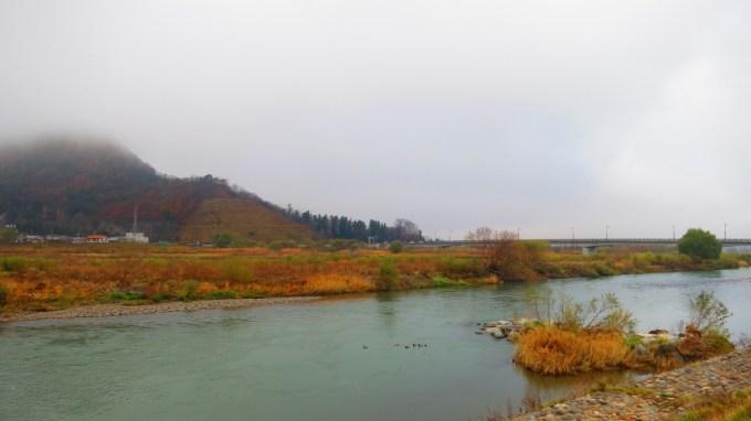 戸倉上山田温泉千曲川冬景色