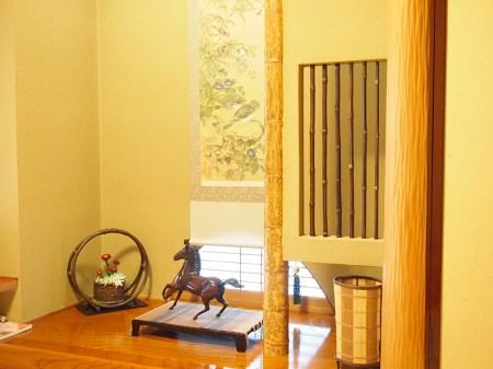 小庭付きの7.5畳の小さめな和室
