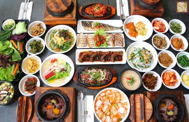 Người Hàn đảm bảo cân bằng dinh dưỡng trong mỗi bữa ăn