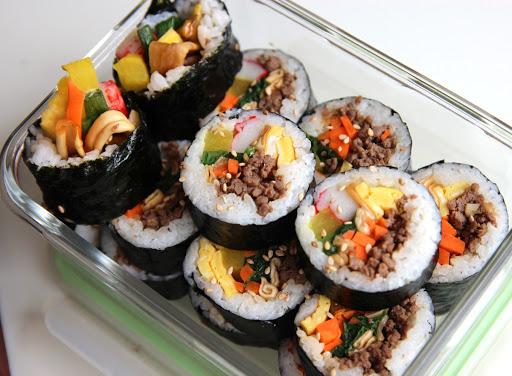 kimbap được xem là thức ăn nhanh của người Hàn