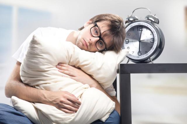 Uống trà giảm cân có thể gây mất ngủ