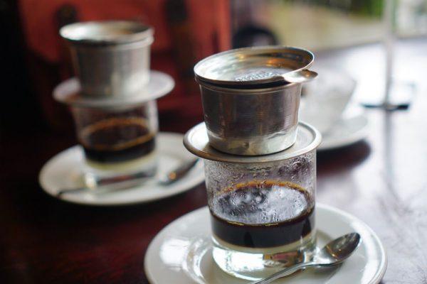 Uống cafe có thể khiến ngực nhỏ