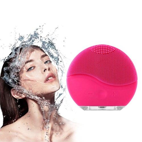 Rửa măt bằng máy rửa mặt đúng cách