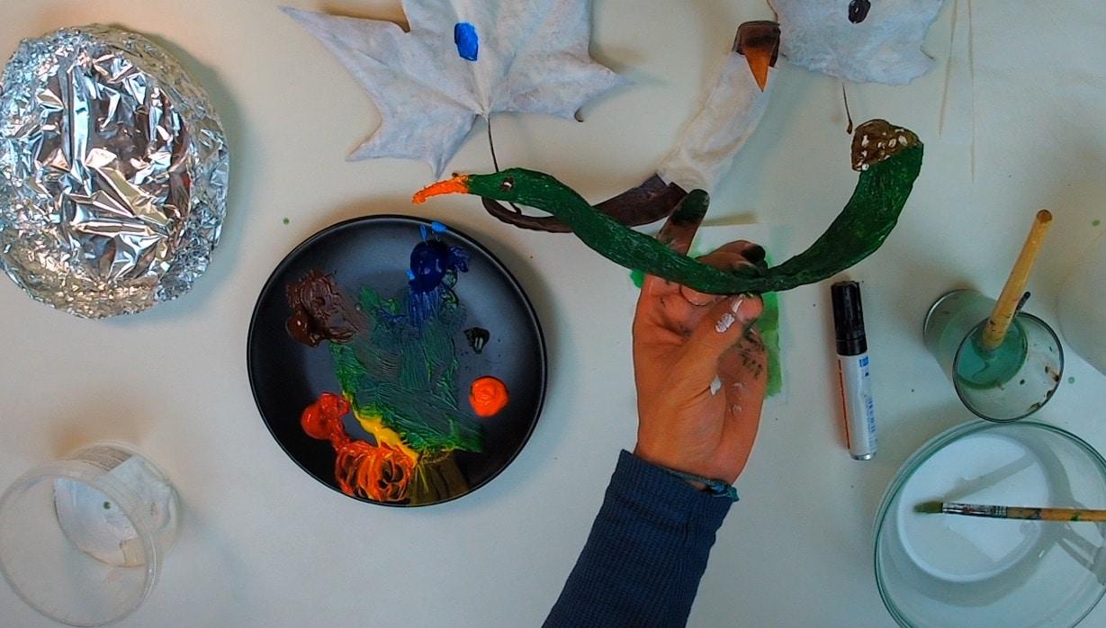 adornos halloween: serpiente con semillas