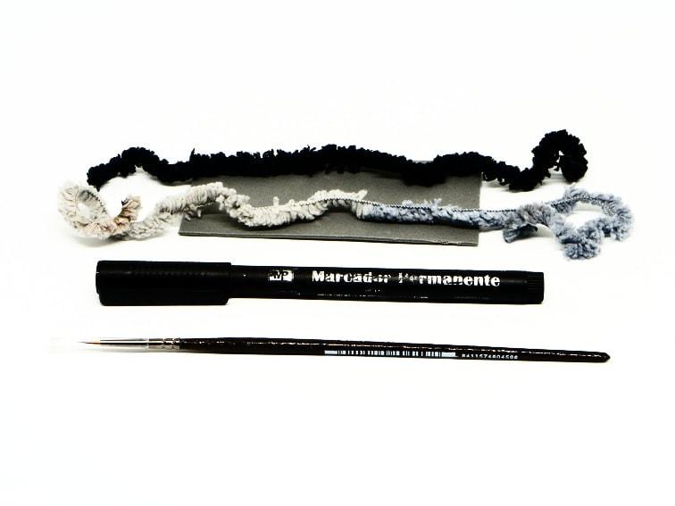 lana goma eva rotulador permanente y pincel fino