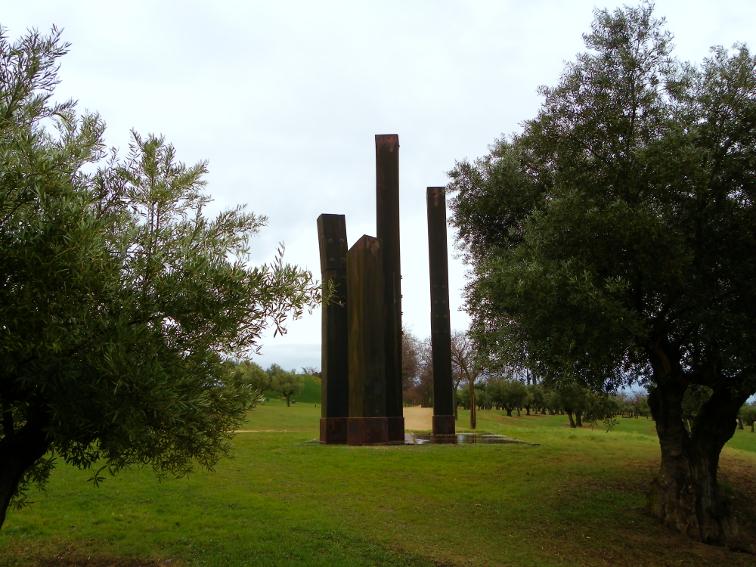 escultura viaje interior de michael warren en el parque juan carlos I