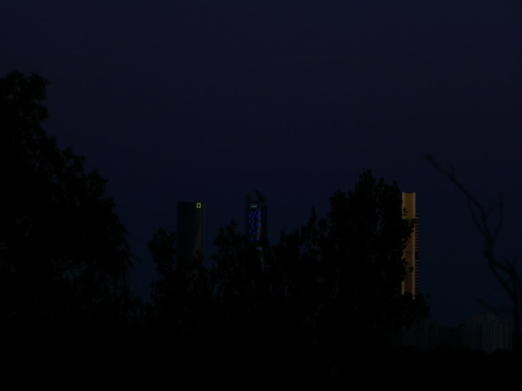 monte de el pardo vista de las torres de noche