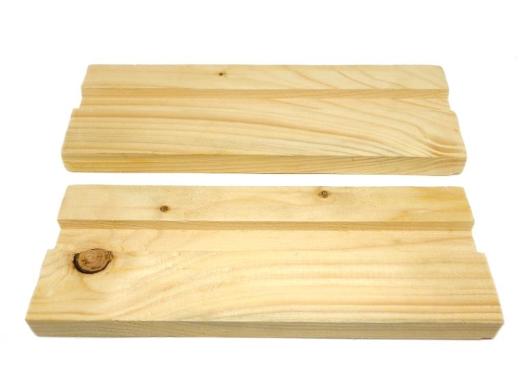 listones de madera reciclada para hacer estructura del hotel para insectos