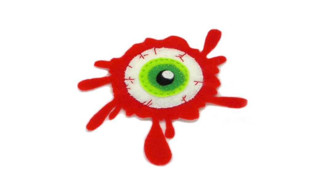 parche de un ojo sangriento para el disfraz de halloween hecho con fieltro