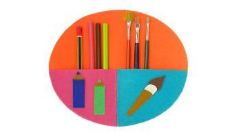 organizador de pared para lapices y pinceles hecho con fieltro de colores