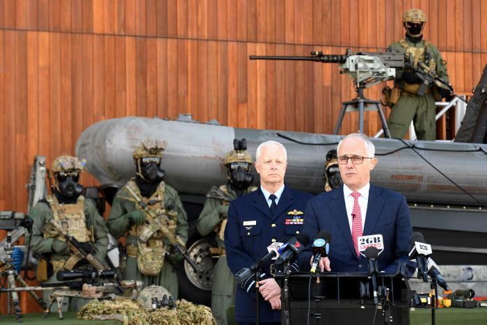 Malcolm Turnbull and the ADF. (Photo, AAP, Brendan Esposito)