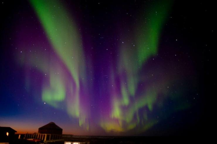 Aurora borealis at Seal River Heritage Lodge. Robert Postma photo