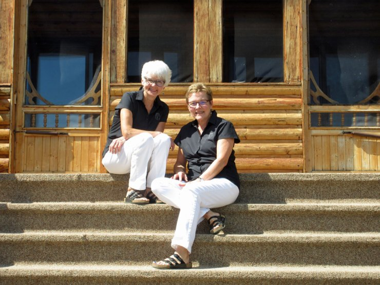 Marie Woolsey (right) and Helen Webber at North Knife Lake Lodge.