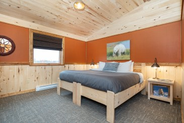 queen-room-churchill-wild-nanuk-polar-bear-lodge-scott-zielke