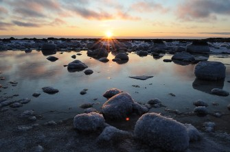 Sunset on the rocks at Seal River Heritage Lodge. Steve McDonough photo.