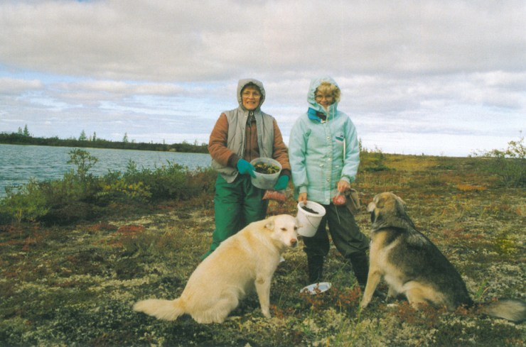 Blueberries & Polar Bears cookbook authors Marie Woolsey and Helen Webber at Dymond Lake in the late 1970s.