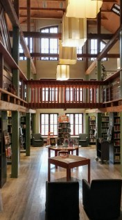 Meijerialueen vanha mylly on nykyisin kirjasto.