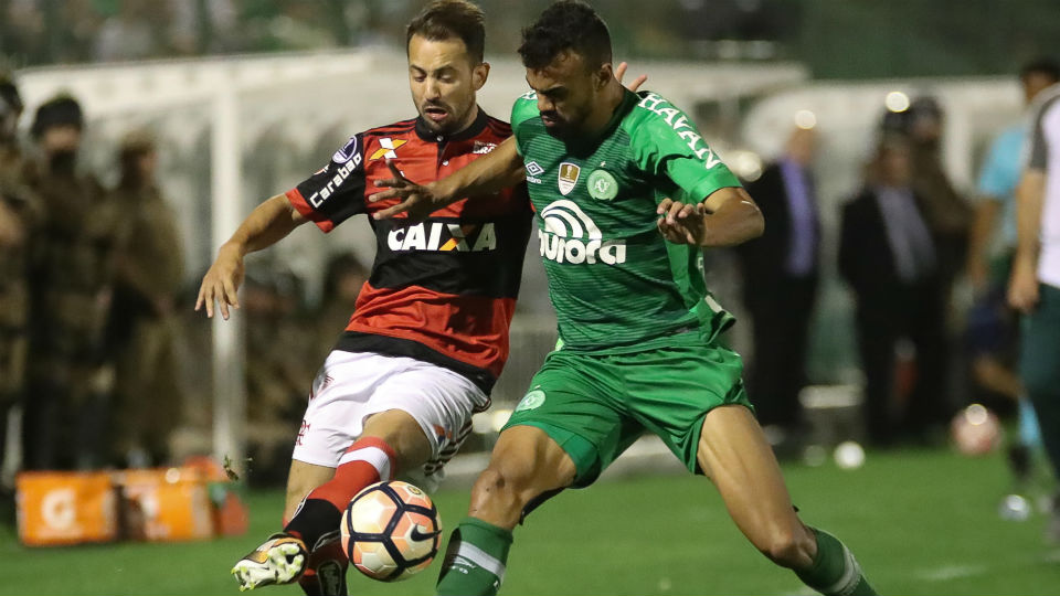 Everton Ribeiro Chapecoense Flamengo 2017