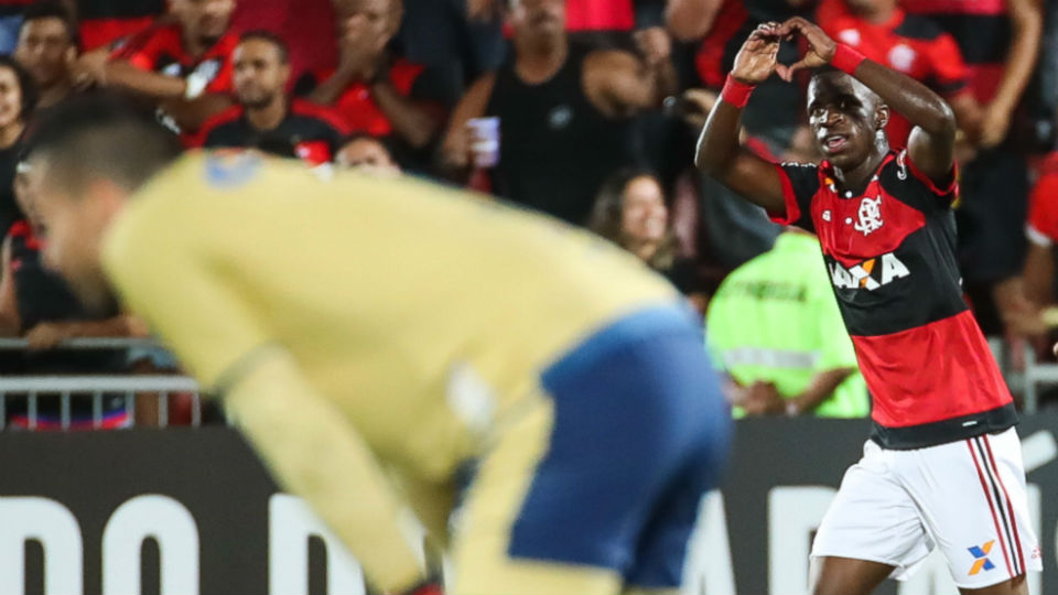 Vinicius Junior Flamengo Cruzeiro gol Ilha do Urubu 2017
