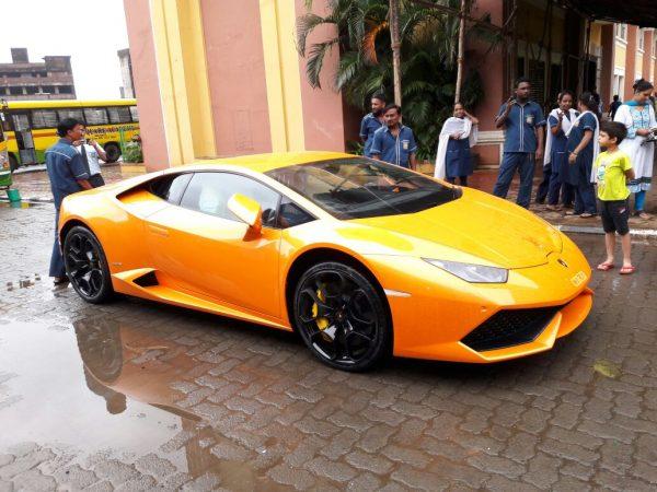 Lamborghini-Huracan-minor-accident-600x450