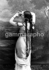 Mata-Hari-1900-mata-hari-18657277-420-594