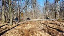 đoàn xe motocycle đi ngang cái trail