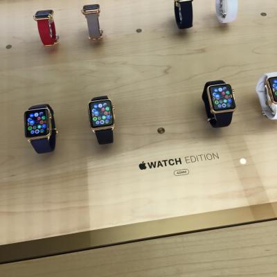 První recenze na Apple Watch: Zamilujete si je, ale zabere to nějaký čas