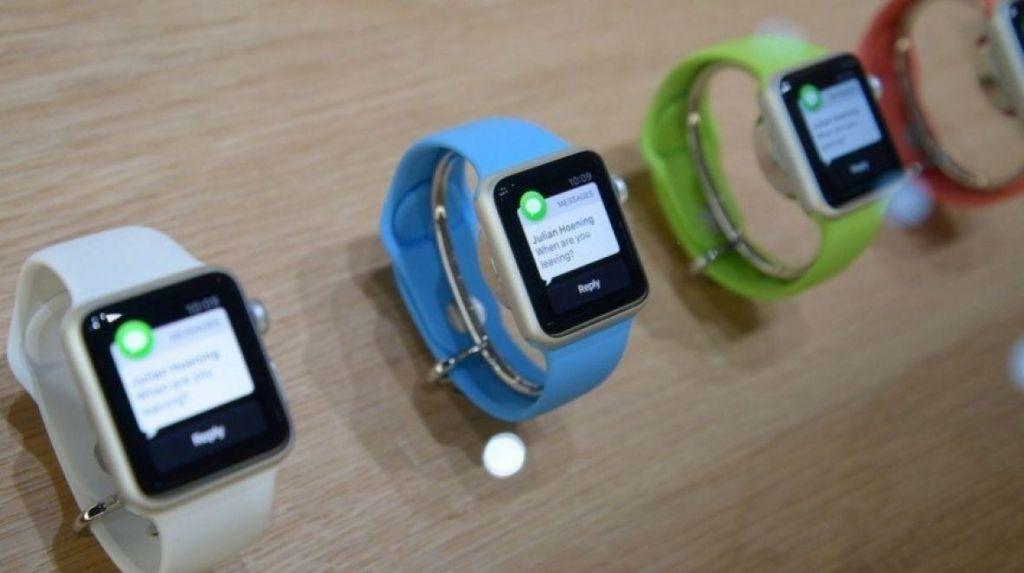 """10 funkcí, které by měl Apple """"ukrást"""" od konkurentů"""