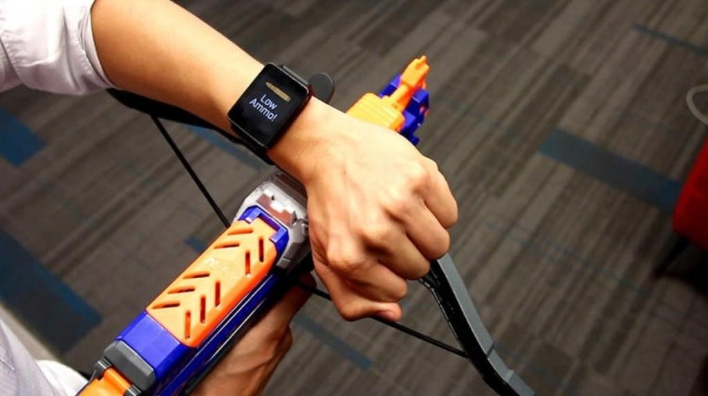 Toto příslušenství pro chytré hodinky pozná, čeho se dotýkáte