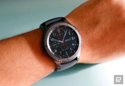 Chytré hodinky od Samsungu konečně spolupracují s iOS!