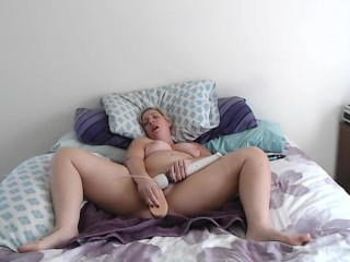 In need of sex Housewife Masturbates and Cums