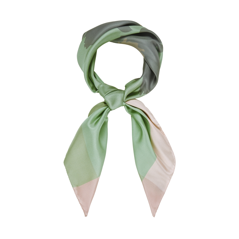 DESIGNER PAINTED DAISY SCARF IN BUD GREEN, PEARL AND SILVER