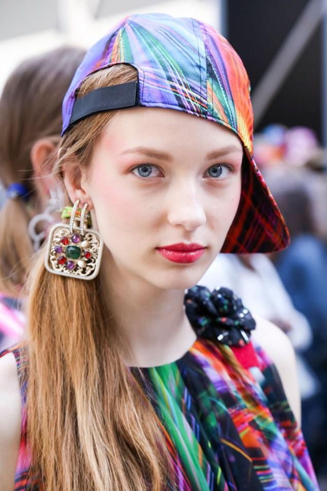 hbz-makeup-trends-2017-bold-lip-chanel-bks-s-rs17-0314_1