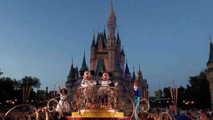 Disney World Union pressiona contra empresa controladora