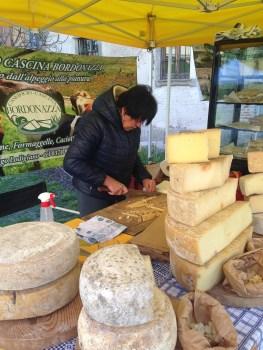 Sovranita Alimentare a Milano - I Formaggi al Mercato