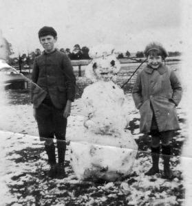 1920s Jack and Nance Coghlan and Snowman Bullarto