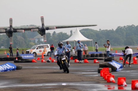 Anggota TNI AU test ride Xabre di Pangkalan Lanud Halim Perdanakusuma