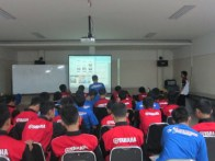 suasana belajar mengajar di ruang training yamaha training center surabaya 2
