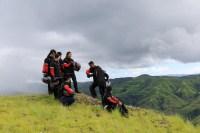 Para peserta touring menikmati alam Salura dalam perjalanan