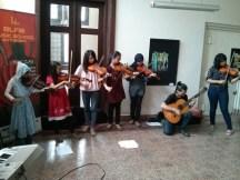 Anak-anak Elfa's ini sedang tampil di gedung PGN A.K.A. Tan De Bekker.