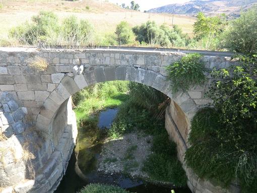 tur in bici grotte della gurfa