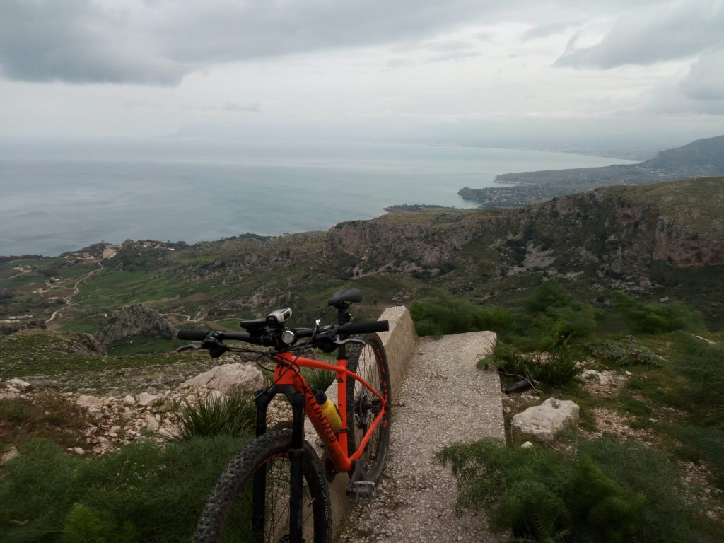 grand tour della sicilia in mountain bike