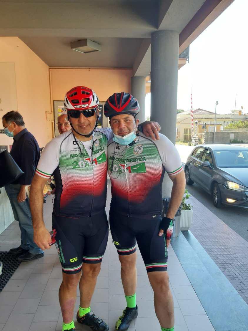 Sosta a Bianco Roberto Canale e Peppe Calabrò