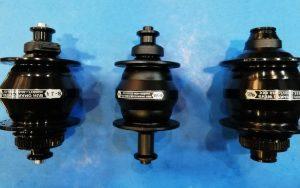 Montaje de Dynamos de buje para freno de disco y llanta,muy necesarias para la larga distancia