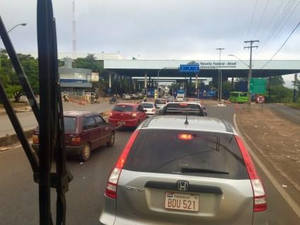 Pasando a fronteira brasileira