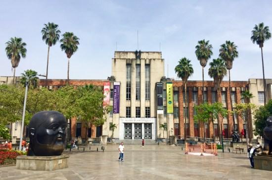 Museo de Antioquia na Plaza Botero